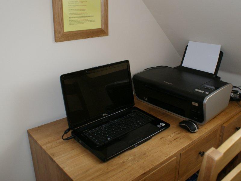 Laptop Printer Desk Laptop And Printer